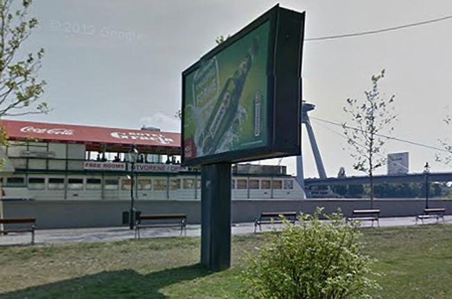 60d9c31de Skôr prekáža bigboard na nábreží | Život v meste | Bratislavské noviny