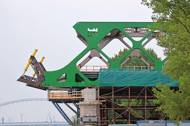 Most už priznal farbu - bude zelený - starymost zeleny01 6e03e48330c