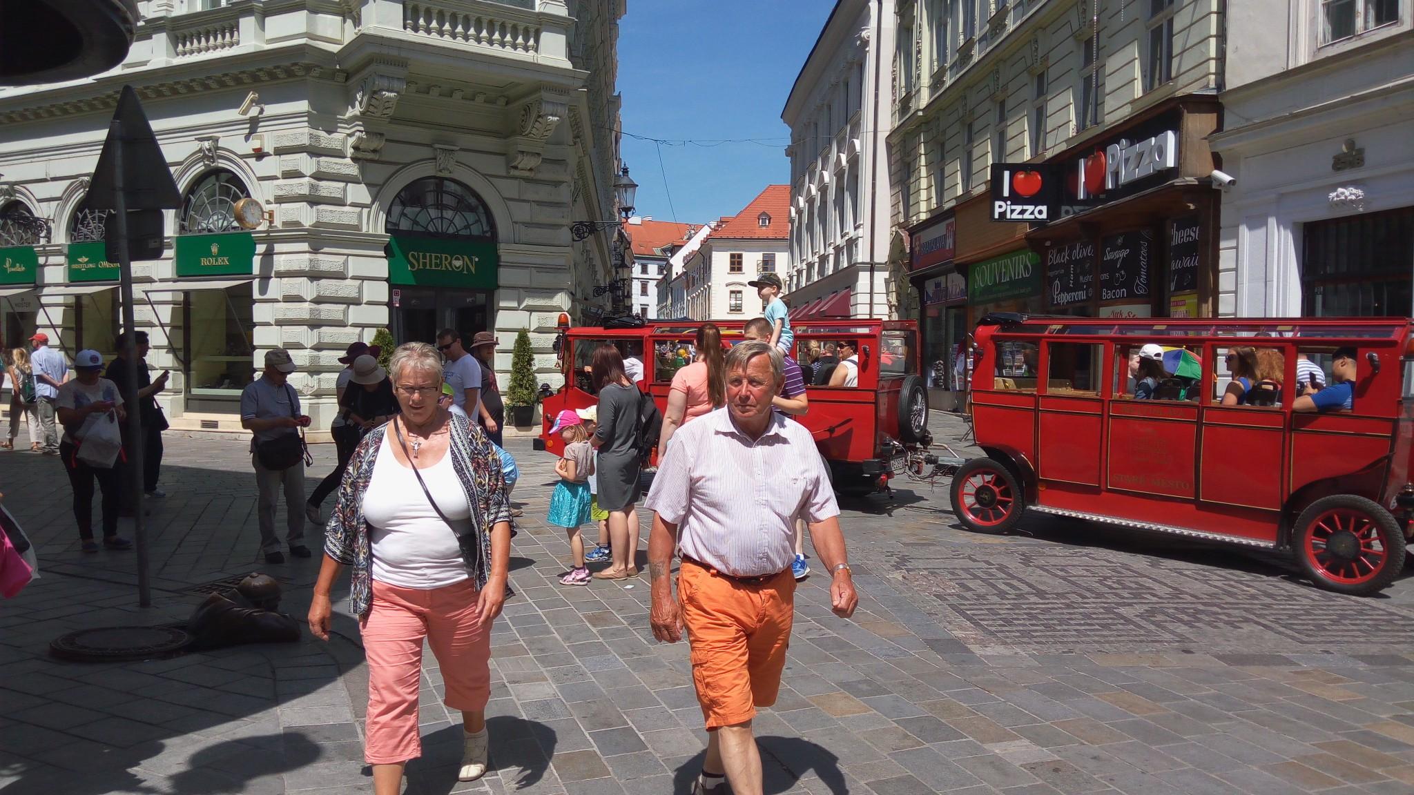 914a0e701fb13 Bratislava očakáva počas mája o desiatky tisíc návštevníkov viac. Ako sa  pripravila?   Samospráva   Bratislavské noviny